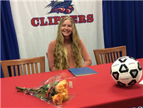 Shannon Gibbons Signs with Queens College Photo